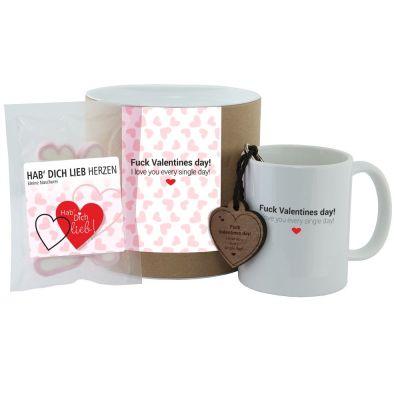 """Geschenkset """"Fuck Valentines day! I love you every single day!"""" (Tasse, Schlüsselanhänger & """"Hab Dich lieb"""" Herzen)"""