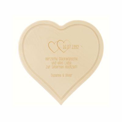 Schneidebrett zum Hochzeitsjubiläum - personalisiert (herzförmig)