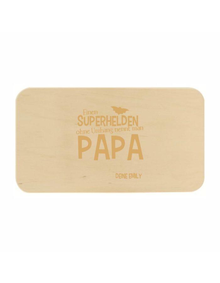 "Frühstücksbrett ""Einen Superhelden ohne Umhang nennt man Papa"" - personalisiert"