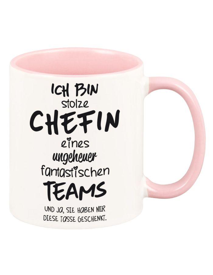 """Tasse mit rosa Henkel """"Ich bin stolze Chefin eines ungeheuer fantastischen Teams"""""""