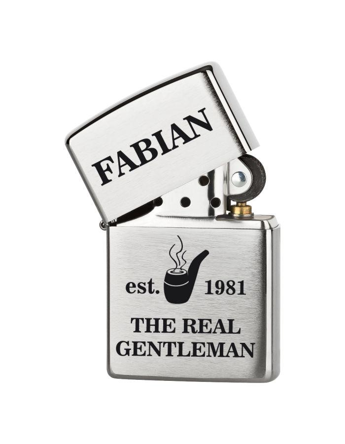 """Personalisiertes Zippo Feuerzeug """"The real Gentleman"""" - Design: Pfeife"""